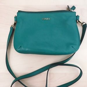 Fossil Leather. Teal green zipper crossbody.
